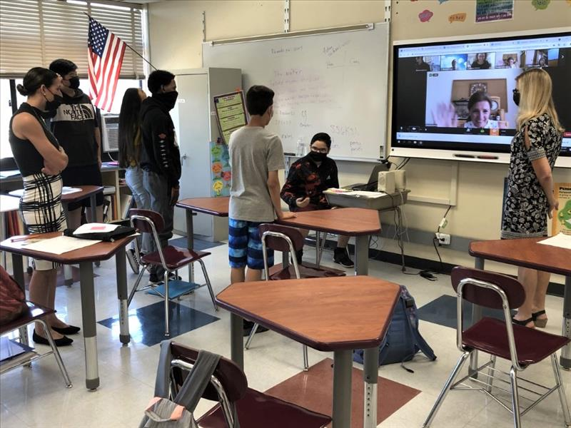 teachers and students on zoom call